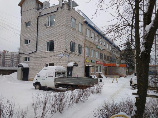 Торгово-офисный комплекс на ул. Красноармейская, 8