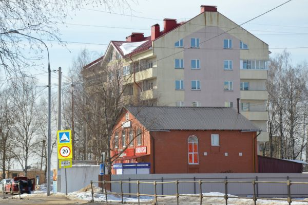 Торгово-офисный комплекс на ул. Шишунова, 1А