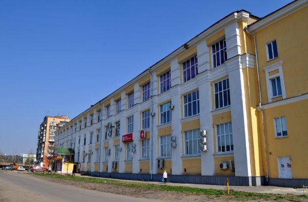Офисное здание на набережной Дубровинского, 60