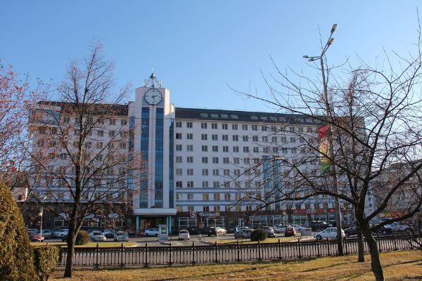 Бизнес-центр в микрорайоне Олимпийский, 62