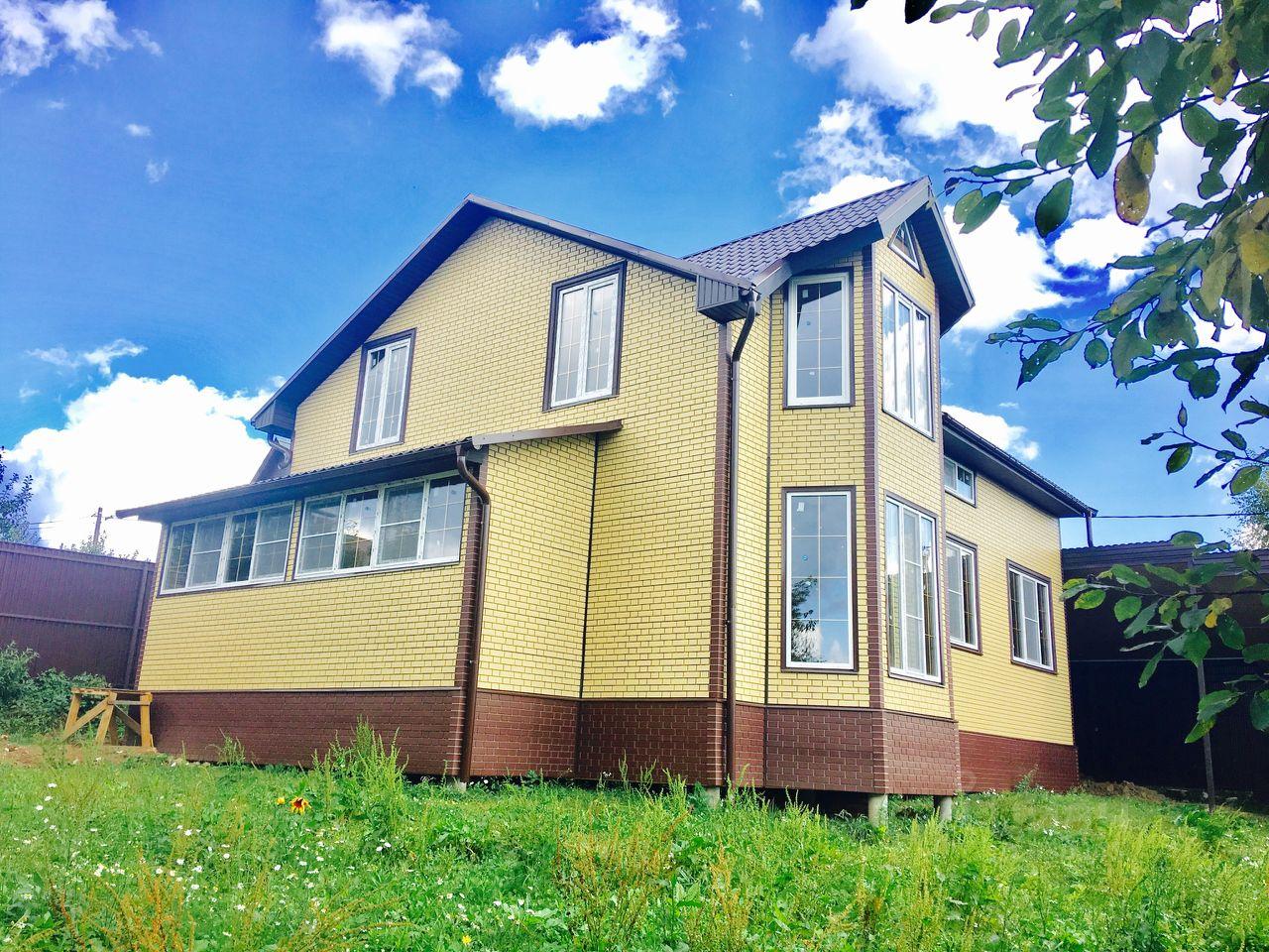 Находится на границе калужской и московской областей.