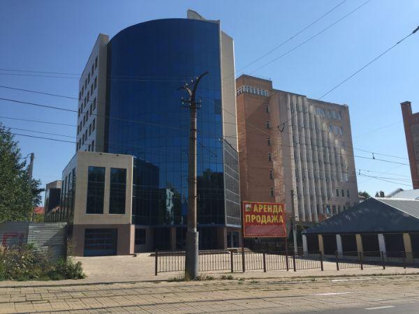 Офисное здание на ул. Тенишевой, 15