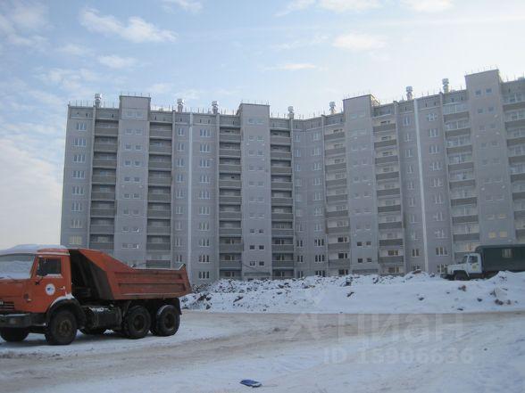 Продается трехкомнатная квартира за 2 400 000 рублей. г Челябинск, ул Маршала Чуйкова.