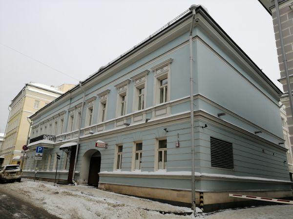 Отдельно стоящее здание на ул. Знаменка, 9с2