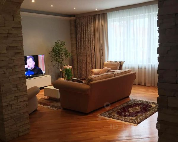Продается трехкомнатная квартира за 35 000 000 рублей. г Москва, ул Нежинская, д 9.