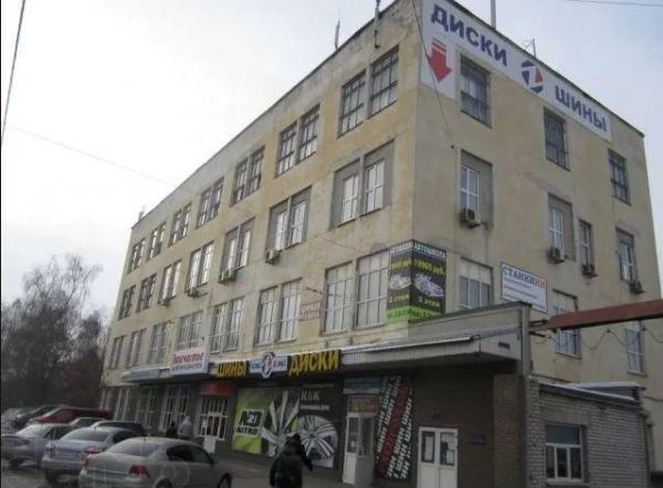 Административное здание на Бурнаковском проезде, 1