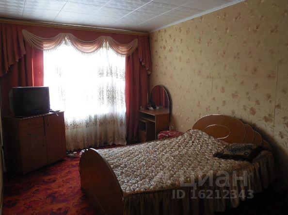 Продается четырехкомнатная квартира за 2 600 000 рублей. Россия, Орловская область, Мценск, Ленина, 196.