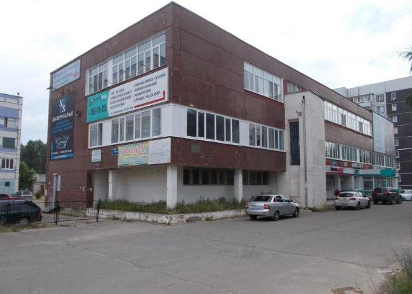 Отдельно стоящее здание на ул. Карбышева, 30