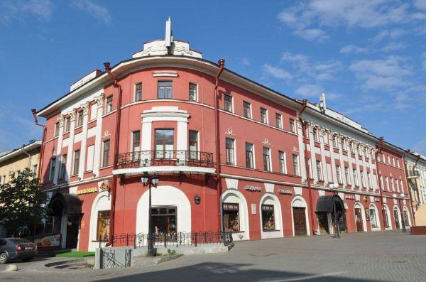 Торгово-офисный комплекс на ул. Баумана, 42