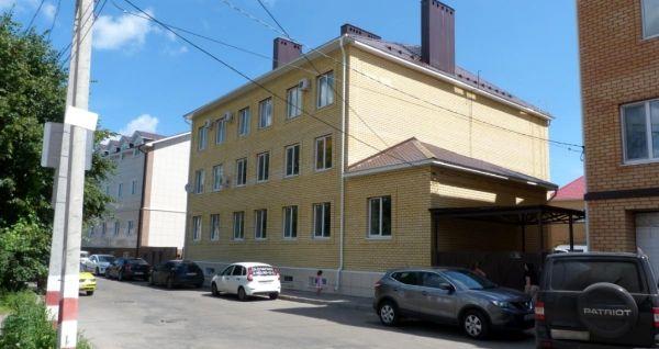 Отдельно стоящее здание на ул. Федерации, 56