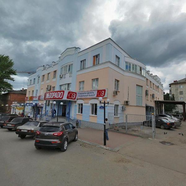 Торговый центр на ул. Дзержинского, 35
