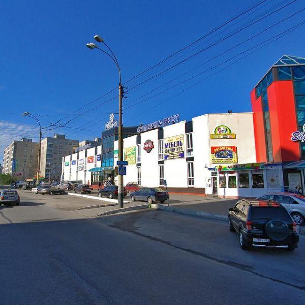 Торговый центр на ул. Баумана, 33