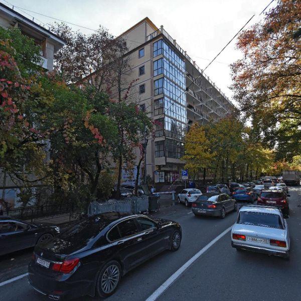 Торговый комплекс на ул. Конституции СССР, 26А