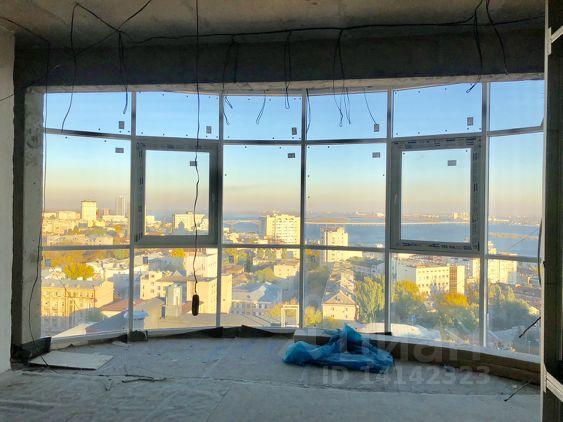 Продается многокомнатная квартира за 15 000 000 рублей. Россия, Саратов, Советская улица, 9.