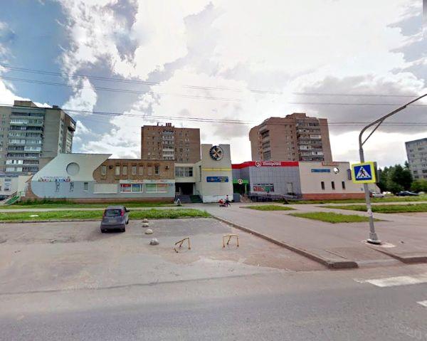 Торгово-офисный комплекс на ул. Кочетова, 23А