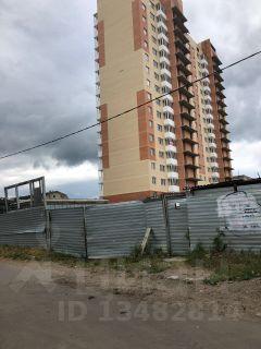 На ул. Шаталова