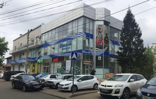 Торгово-офисный комплекс на ул. Георгия Морозова, 14