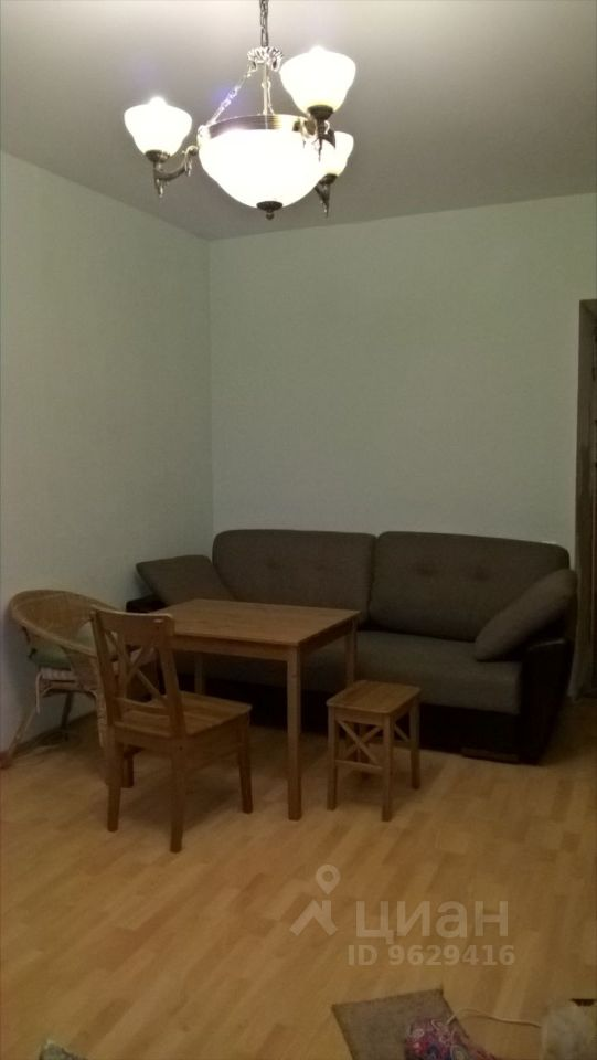 Сдаются 2 смежных комнаты в квартире на длительный срок.