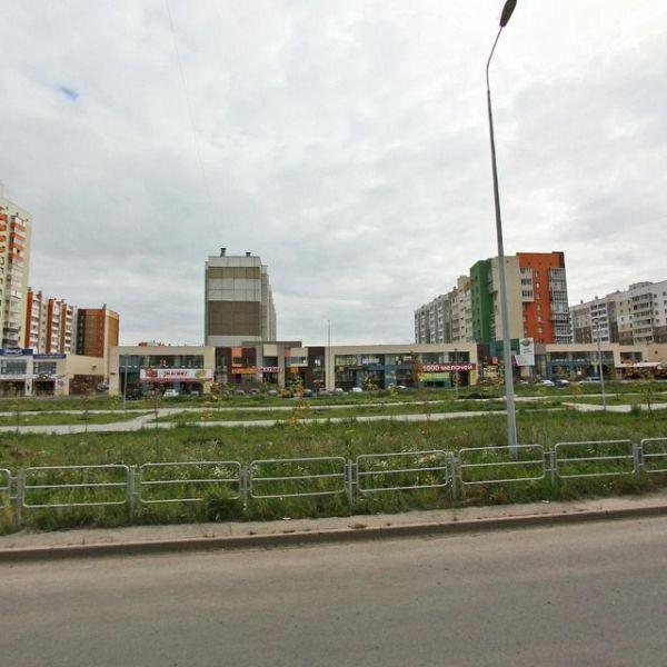 Торговый центр на ул. Академика Королёва, 3