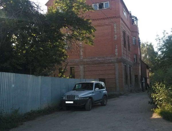 Отдельно стоящее здание на ул. Малокаменная, 32