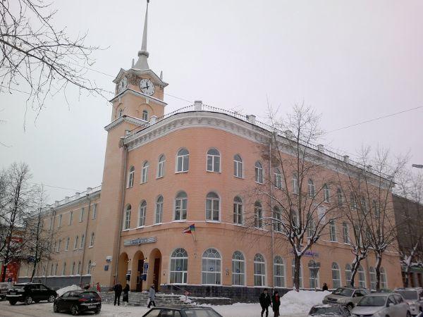 Административное здание на ул. Дзержинского, 5