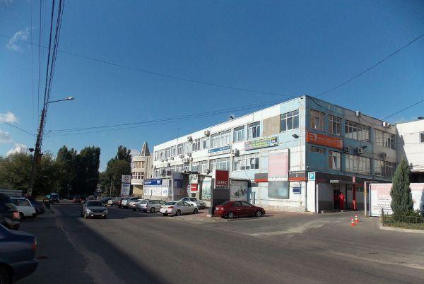 Торгово-офисный комплекс на ул. Текстильщиков, 2