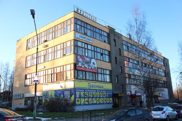 Торгово-офисный комплекс на ул. Суоярвская, 8