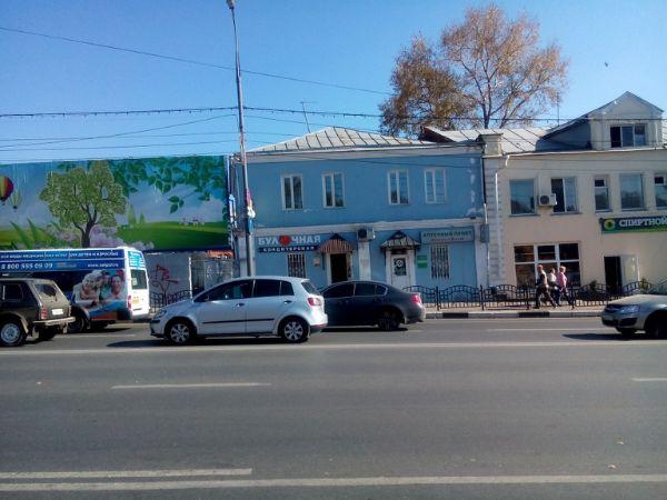Отдельно стоящее здание на проспекте Красной Армии, 148