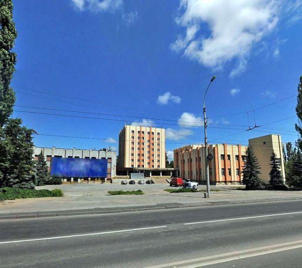 Многофункциональный комплекс на площади Петра Великого, 2