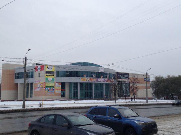 Торгово-офисный комплекс на ул. Молодогвардейцев, 27Д