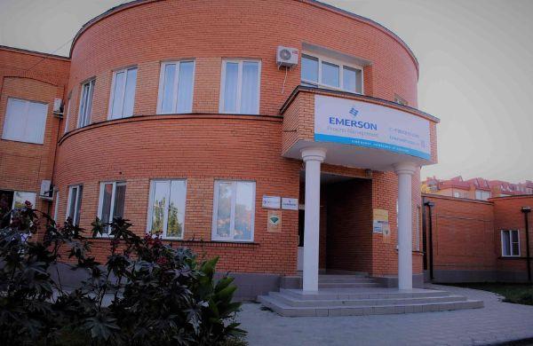 Отдельно стоящее здание на проспекте Губернатора Анатолия Гужвина, 12