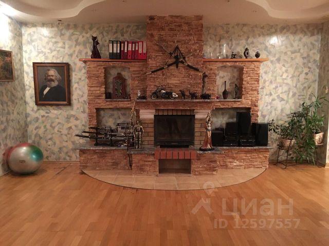 Продается трехкомнатная квартира за 13 000 000 рублей. Россия, Ямало-Ненецкий автономный округ, Салехард, улица Республики, 49.