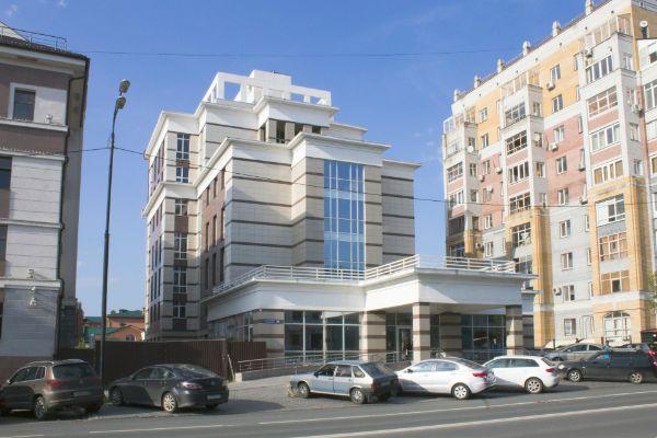 Офисно-гостиничный комплекс на ул. Бутлерова, 25