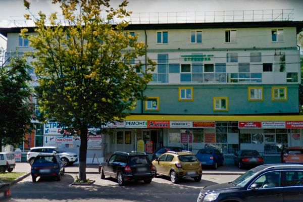 Торговый комплекс на проспекте Строителей, 16В