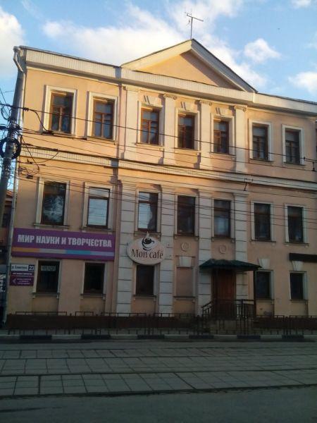 Отдельно стоящее здание на ул. Коминтерна, 23