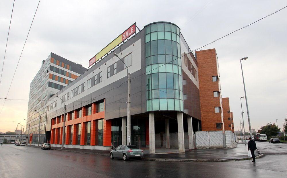 продажа помещений в ТЦ Ладожские ряды