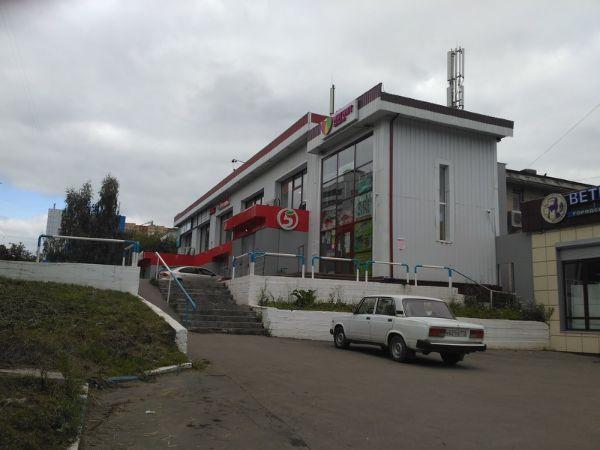 Торговый центр на ул. Мичурина, 25