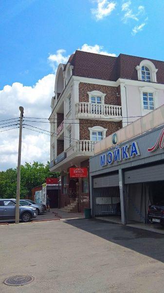 Отдельно стоящее здание на ул. Бабушкина, 110