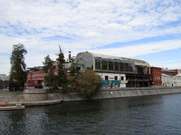 Отдельно стоящее здание на Болотной набережной, 3с1