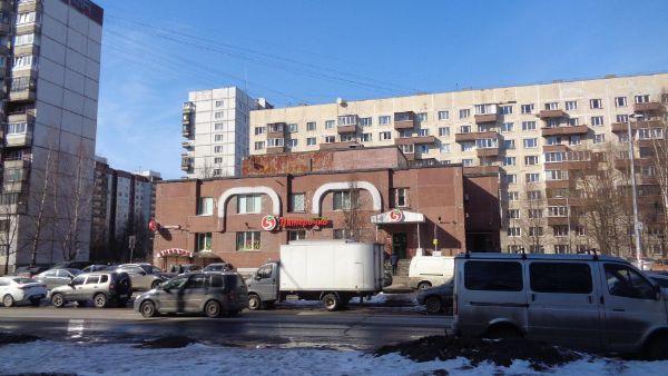 Торговый центр на ул. Жени Егоровой, 4к1