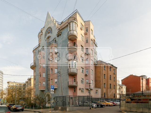 Продается трехкомнатная квартира за 44 900 000 рублей. г Москва, пер Даев, д 22.