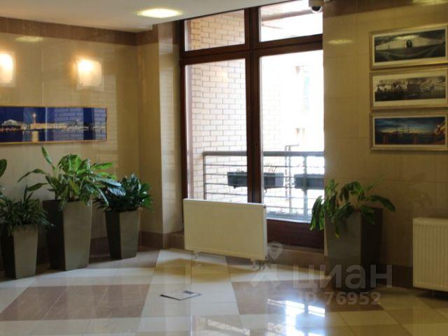 Продается четырехкомнатная квартира за 65 000 000 рублей. г Москва, Трубная пл, д 2А.