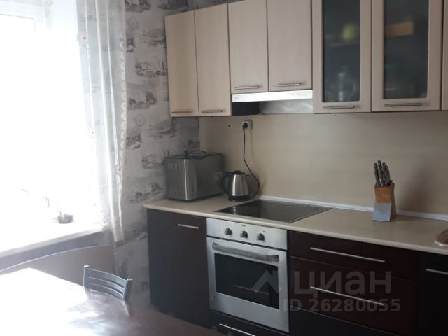 Продается трехкомнатная квартира за 2 200 000 рублей. г Мурманск.