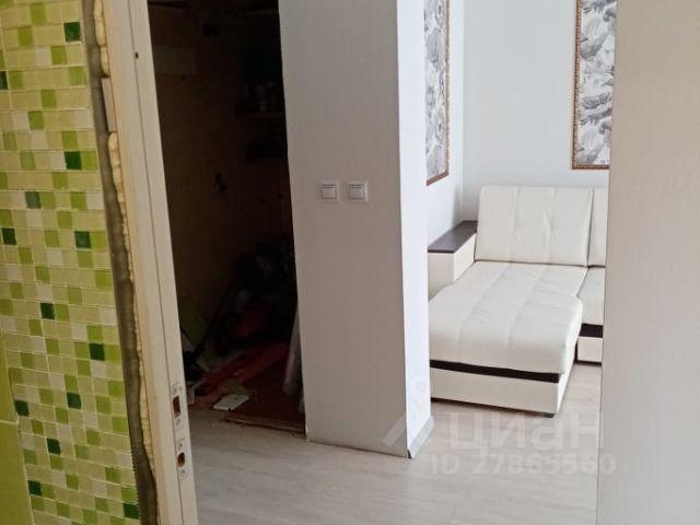 Продается двухкомнатная квартира за 1 300 000 рублей. Саратовская обл, г Балаково, ул Заречная, д 10.