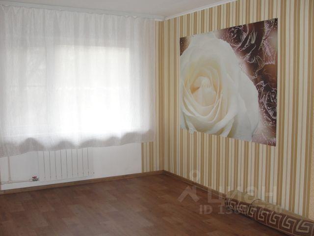 Продается трехкомнатная квартира за 2 150 000 рублей. г Великий Новгород, ул Октябрьская, д 6 к 2.