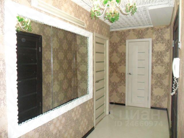 Продается трехкомнатная квартира за 3 650 000 рублей. г Курск, пр-кт Кулакова, д 1а.
