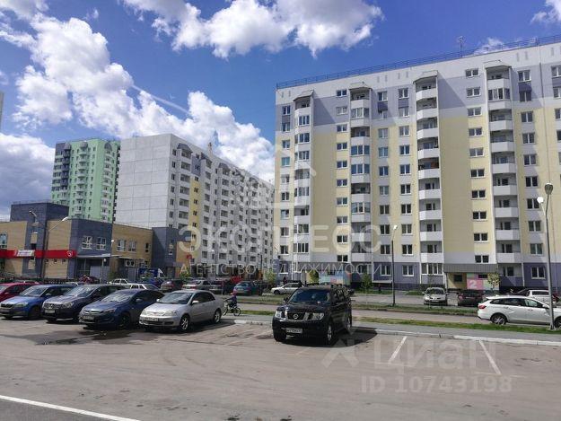 Продается трехкомнатная квартира за 3 200 000 рублей. Тюменская обл, г Тюмень, ул Беловежская, д 17.